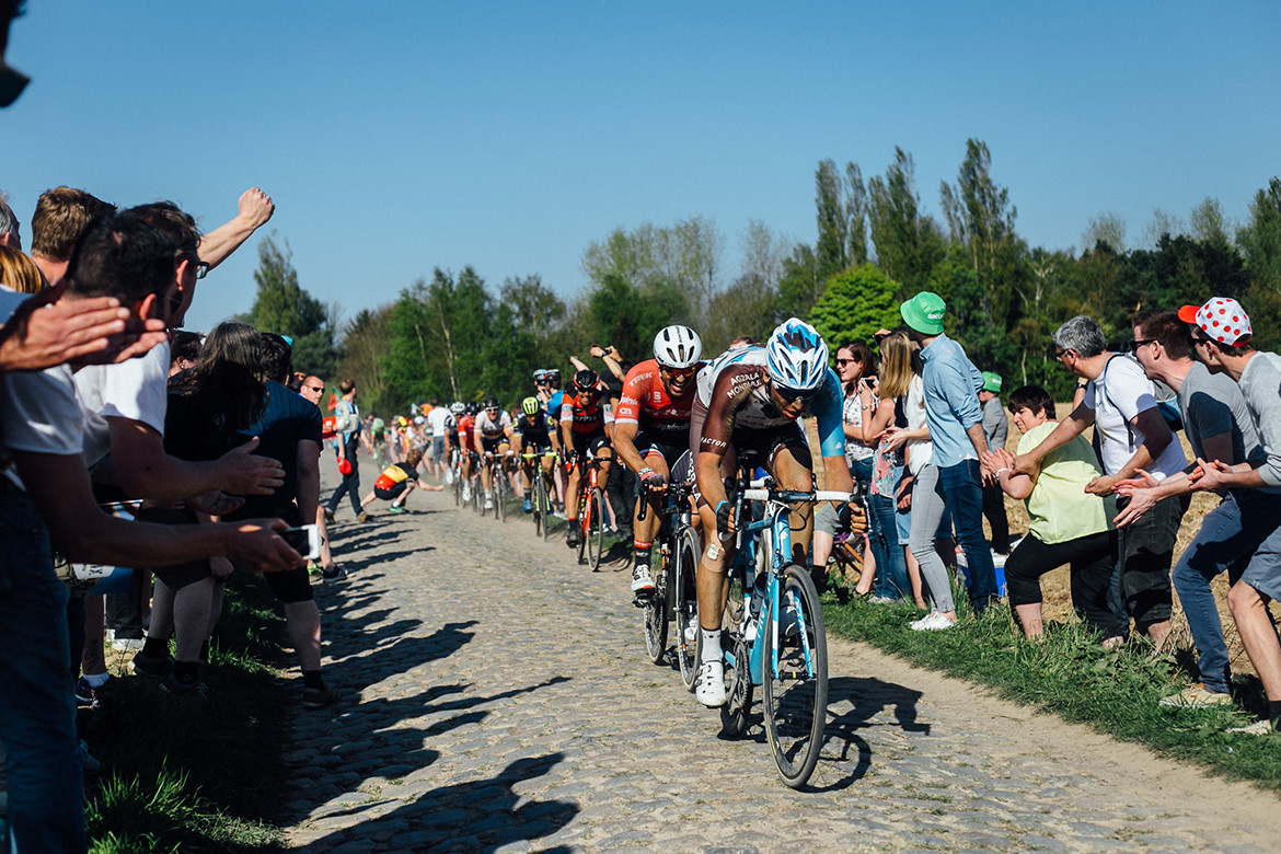 Roubaix 2017 Crowds on the Cobbles