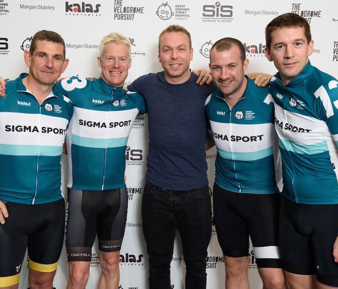 Team photo with Sir Chris Hoy at The Velodrome Pursuit