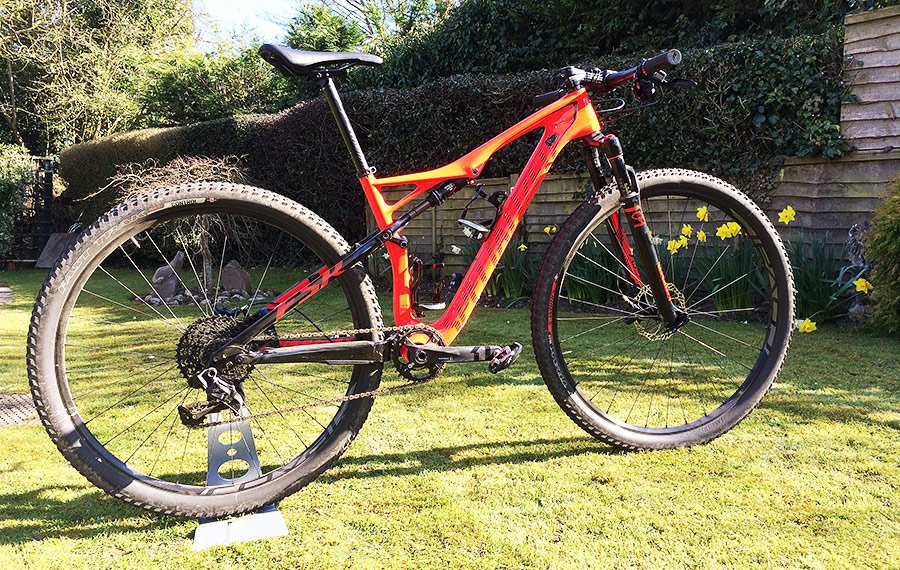 c838f5badce Specialized Epic FSR Elite Carbon World Cup Mountain Bike