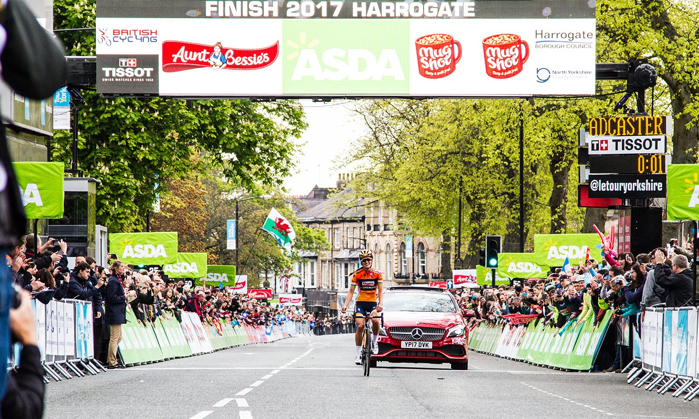 Lizzie Deignan winning the Women's Tour de Yorkshire