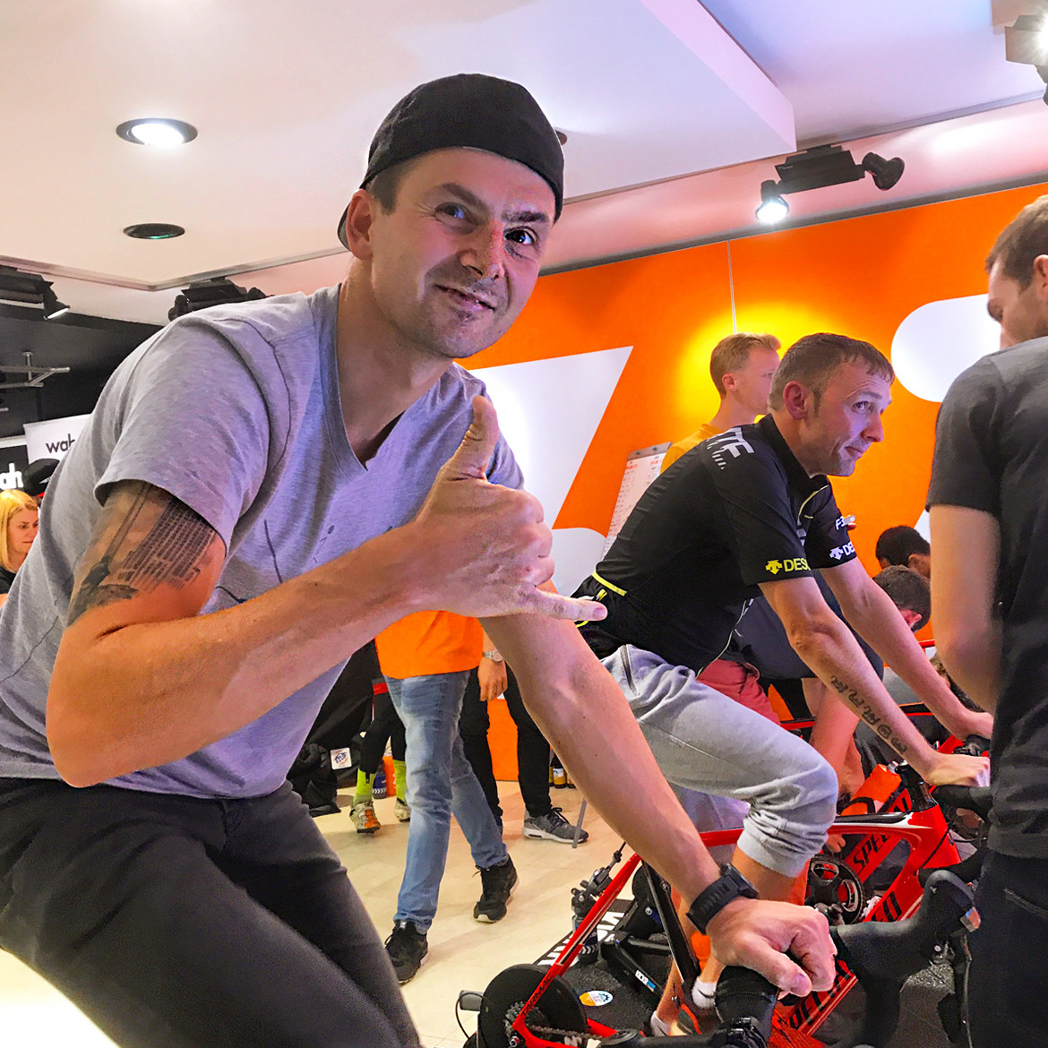 Zwift UK Tour London rider thumbs up