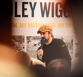 Bradley Wiggins Visits Sigma Sports