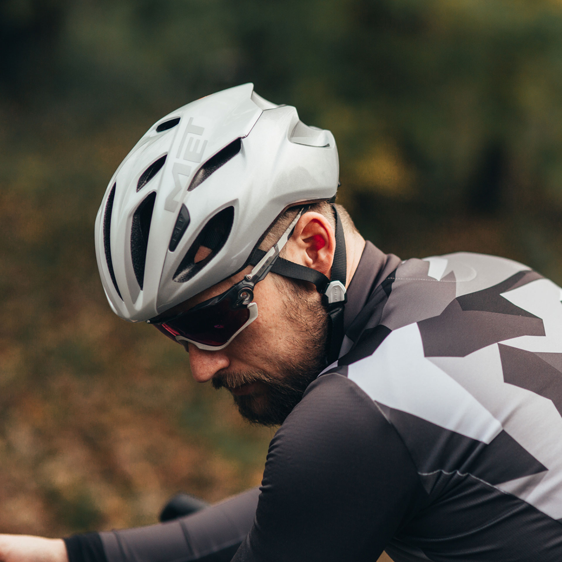 Met Rivale Helmet Lifestyle