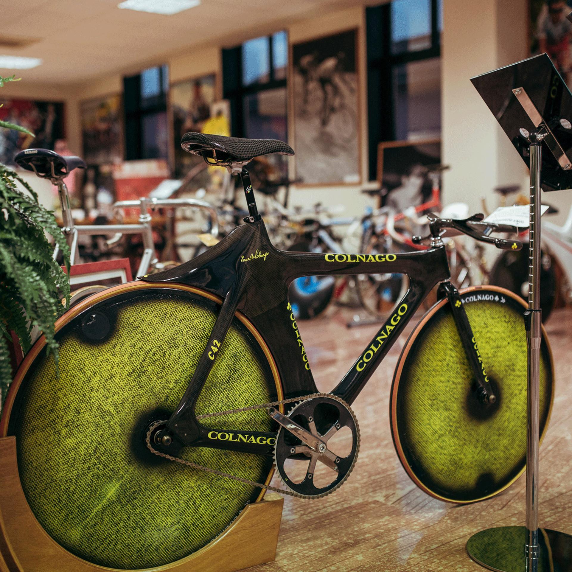 Hour record bike