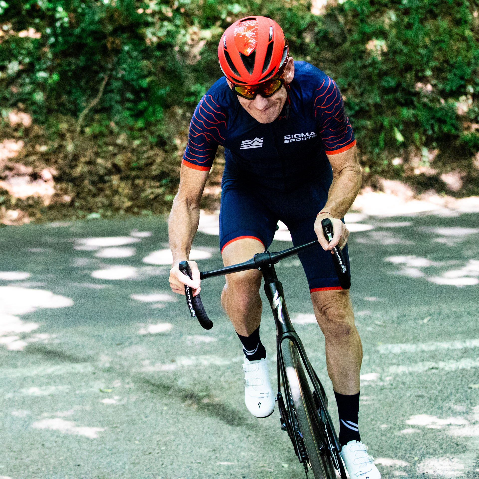 Matt Stephens Sprinting on the Specialized S-Works Venge Road Bike 2019