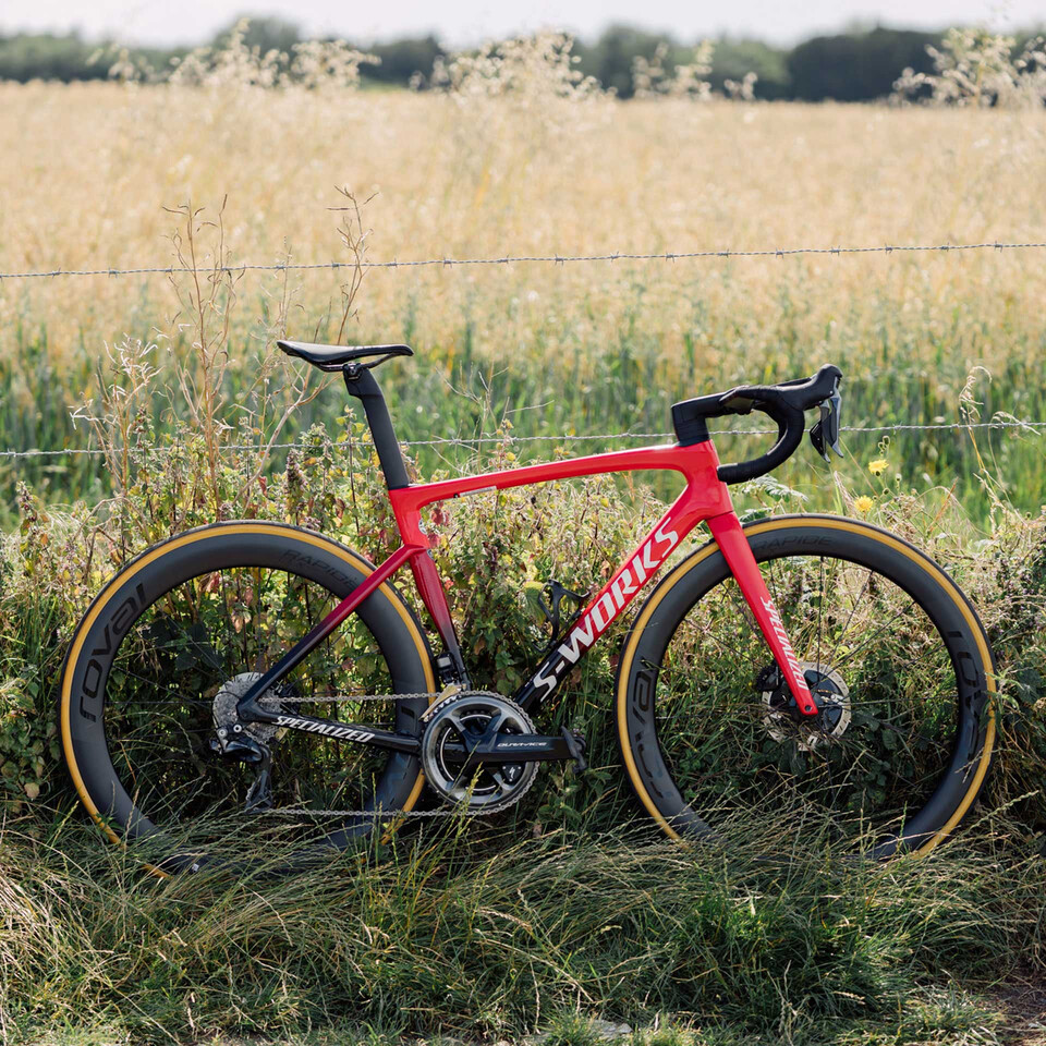 A Look at Specialized\'s Tarmac SL7 Road Bike   Sigma Sports
