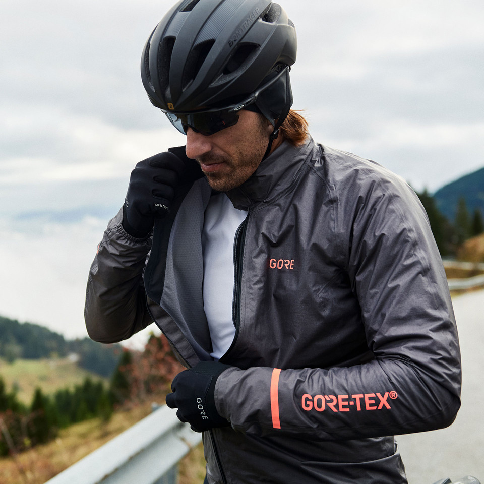 5bfcc03d045d6 Cycling Clothing Autumn & Spring Conditions | Sigma Sports