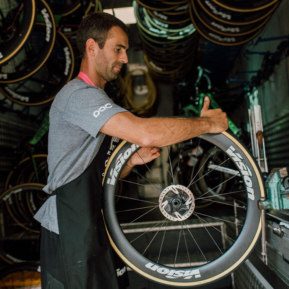 EF Education First Drapac P B Cannondale Team Mechanic Gluing Tubular Tyre bfeb96049