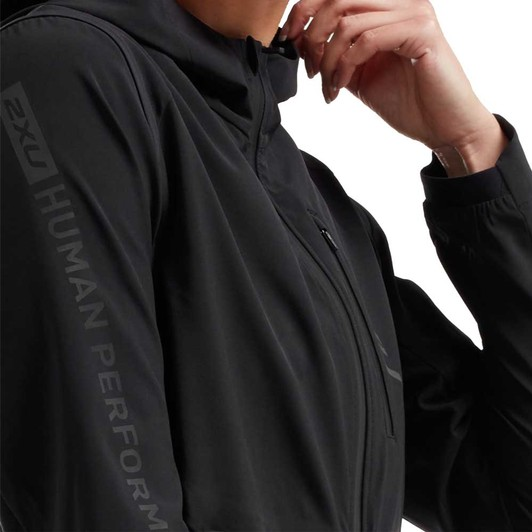 03b067c4 2XU GHST 2 in 1 Womens Jacket | Sigma Sports