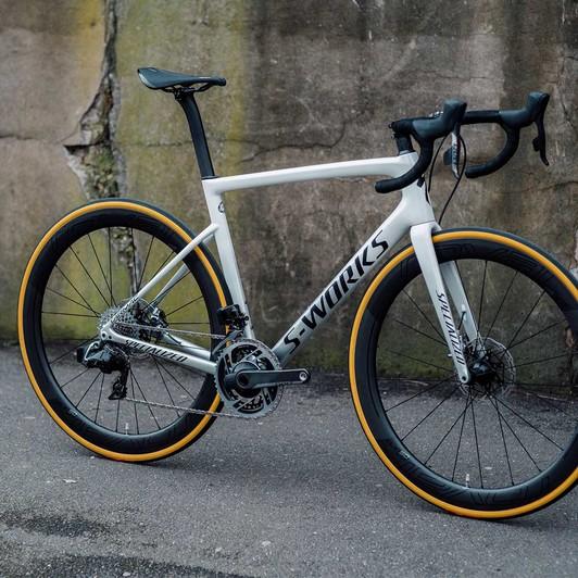 Specialized S-Works Tarmac SL6 ETap AXS 12-Speed Disc Road Bike 2020