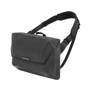 Apidura City Messenger Bag 13